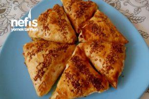 İki Peynirli Üçgen Börek Tarifi