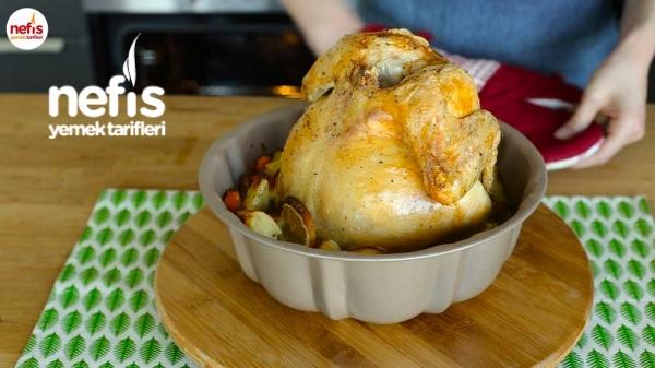 Kek Kalıbında Bütün Tavuk Pişirme