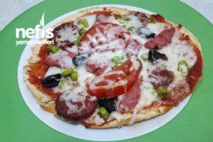 En Kolayından Bazlamadan Pizza Tarifi