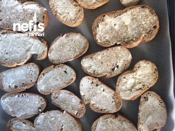 Sucuklu-kaşarlı Ekmek