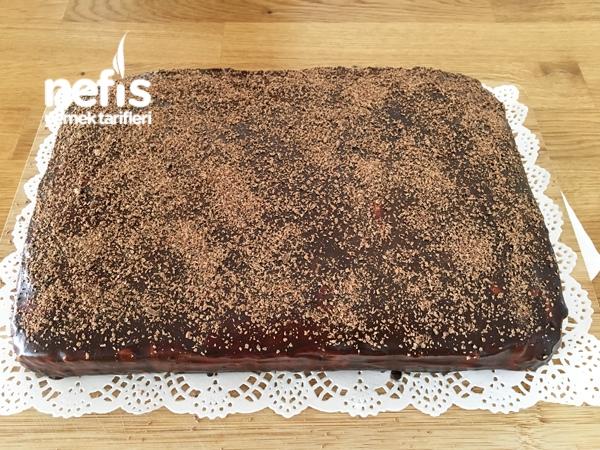 Kolay Çikolatalı Yaş Pasta