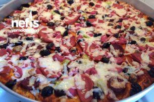 Ev Pizzası ( Kalabalık Aile Boyu) Tarifi