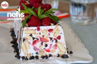 Çilekli Parfe Tarifi - 10 Dakikada Dondurma Tadında Pasta (Videolu)