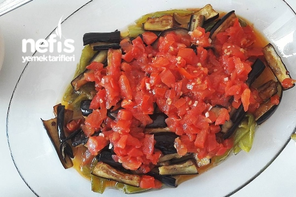 Domates Soslu Patlıcan Ve Biber Kızartma Nefis Yemek Tarifleri