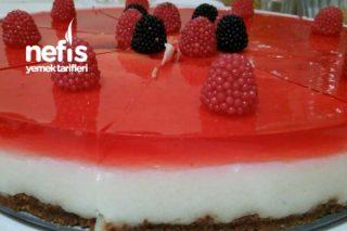 Cheesecake Görünümlü Sütlü İrmik Tatlısı Tarifi