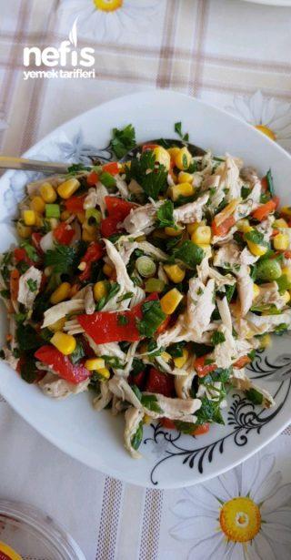 Diyet Tavuk Salatasi