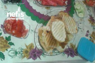 Karışık Tost (Sabah Kahvaltısına Mis Gibi) Tarifi