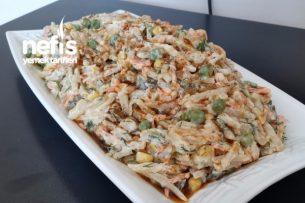 Nefis Yoğurtlu Erişte Salatası Tarifi