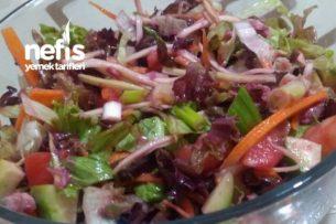 Ton Balıklı Karışık Salata Tarifi