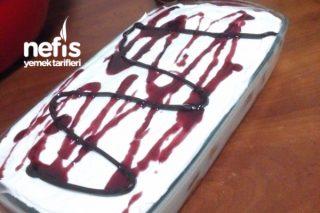 Etimek Tatlısı (İki Katlı Çikolata Meyve Soslu) Tarifi