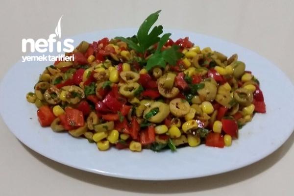 Köz Biberli Yeşil Zeytin Salatası (Mükemmel)