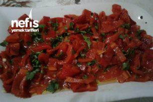 Kırmızı Biber Salatası Tarifi