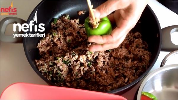 Zeytinyağlı Biber Dolması Nasıl Yapılır?