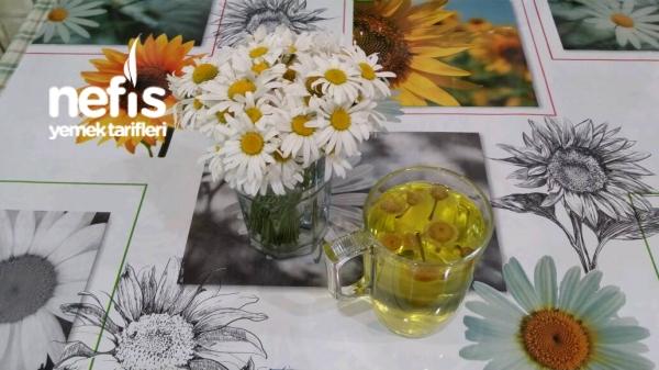 Adet Sancısı İçin Papatya Çayı