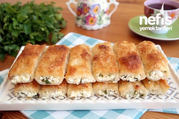 Baklavalık Yufkadan Çıtır Çıtır Peynirli Börek Tarifi