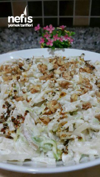 Enfes Kabaklı Erişte Salatası (Çok pratik)