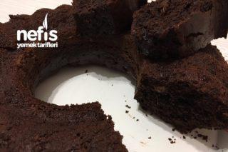 Kara Kek (Brownie Tadında) Tarifi