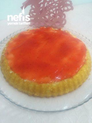 Tart Kalıbında Meyve Soslu Pasta