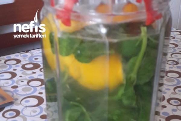 Detoks Limonatası