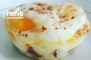 Sucuklu Ve Peynirli Yumurta Tarifi