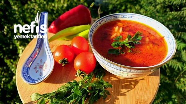 Arpa Şehriyeli Domates Çorbası