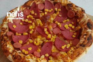 Kenarları Kaşar Dolgulu Tart Pizza Tarifi