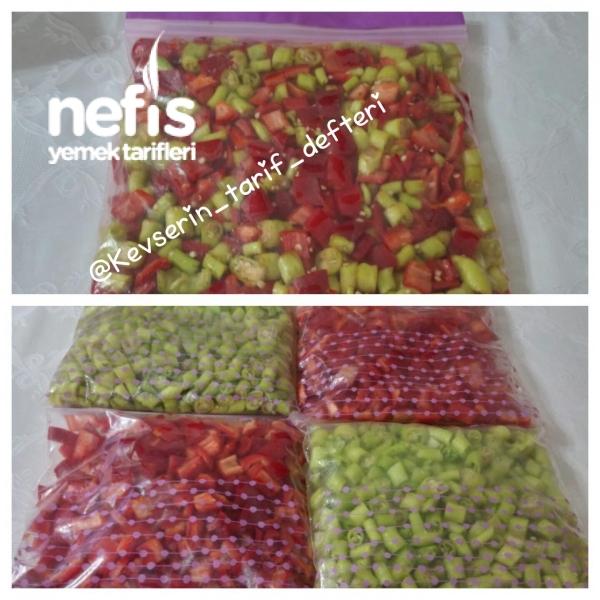 Derin Dondurucuda Kırmızı Ve Yeşil Biber