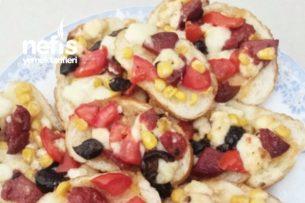 Nefis Bayat Ekmekle Pizza Tarifi