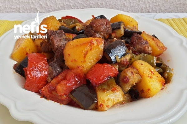 Fırında Nefis Etli Sebze Kebabı Tarifi