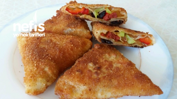 Kırmızı Biberli Kahvaltı Böreği