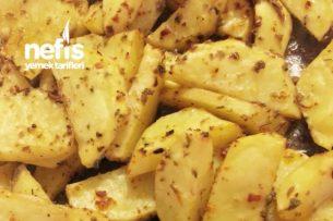 Fırında Baharatlı Çabuk Patates Tarifi