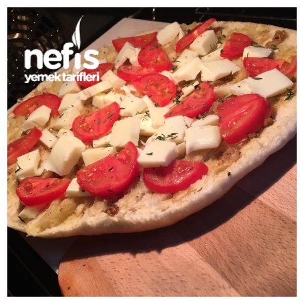 Nefis Sarımsaklı Peynirli Pizza Ekmek