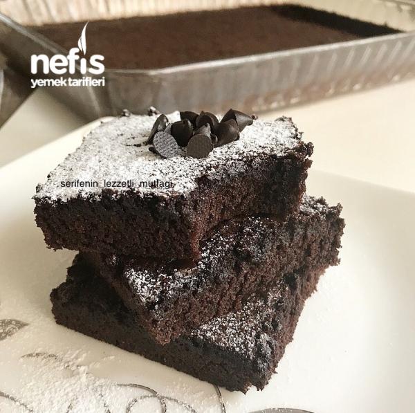 Toz Çikolata Sosu İle Brownie ( Şok İddia Bayılacaksınız )