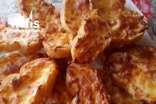 Kahvaltılık Peynirli Yumurtalı Bayat Ekmek Değerlendirmesi Tarifi