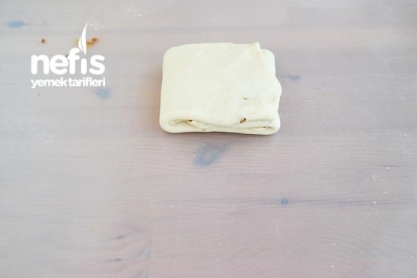 Kat Kat Haşhaşlı Tepsi Çöreği Tarifi