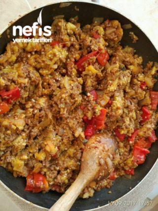 Köz Patlıcanlı Kıymalı Börek