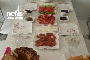 Arkadaşlarımla Güzel Bir Kahvaltı Tarifi