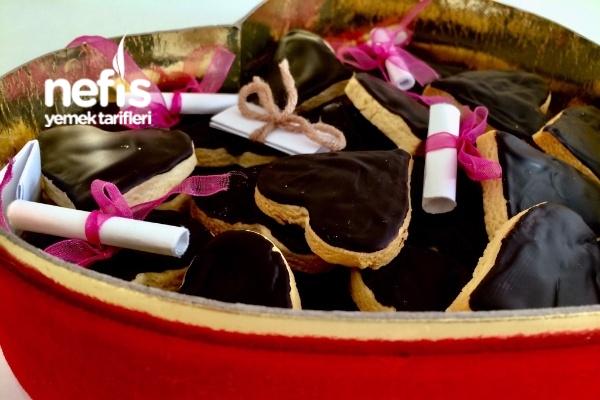 Çikolatalı Kalpli Kurabiye Tarifi