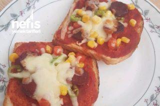 Az Malzemeli Kolay Pizza Tarifi