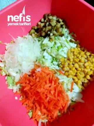 Turşulu Mısırlı Beyaz Lahana Salatası