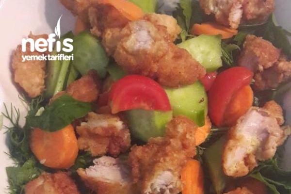 Çıtır Tavuklu Bol Vitaminli Salata Tarifi