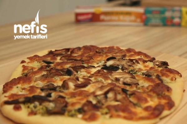 Mantarlı Ve Taze Fesleğenli Pizza Tarifi