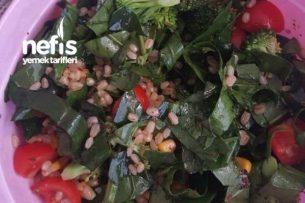 Ispanaklı Brokolili Buğday Salatası Tarifi