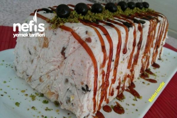 10 Dakikada Meyveli Halleyli Soğuk Pasta (Harika Parfe) Tarifi