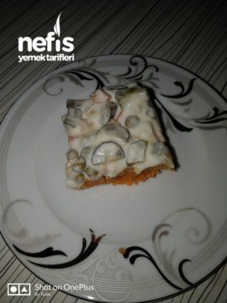 Bulgurlu Garnitürlü Salata