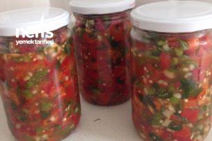 Kırmızı Biber Salatası (Kışlık) Tarifi