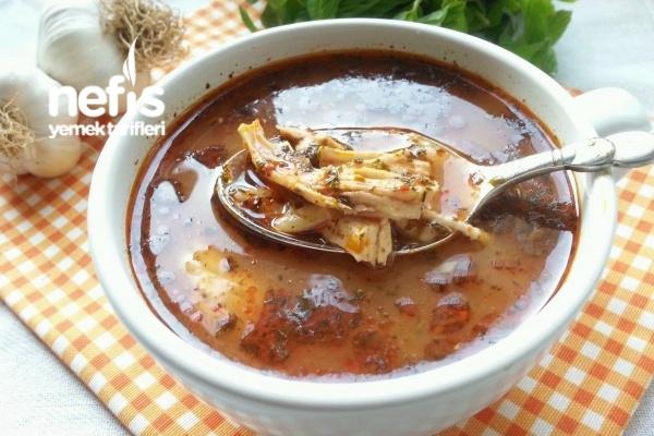 Sarımsaklı Tavuk Çorbası (Gribe Birebir) Tarifi