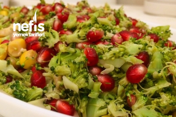 Narlı Brokolili Salata Tarifi