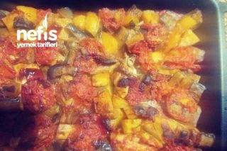 Fırında Tavuklu Patlıcanlı Patates Tarifi
