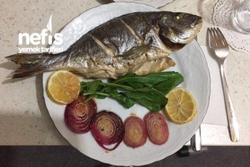 Pide ekmeği fırında pişmiş balıklar: yemek tarifleri